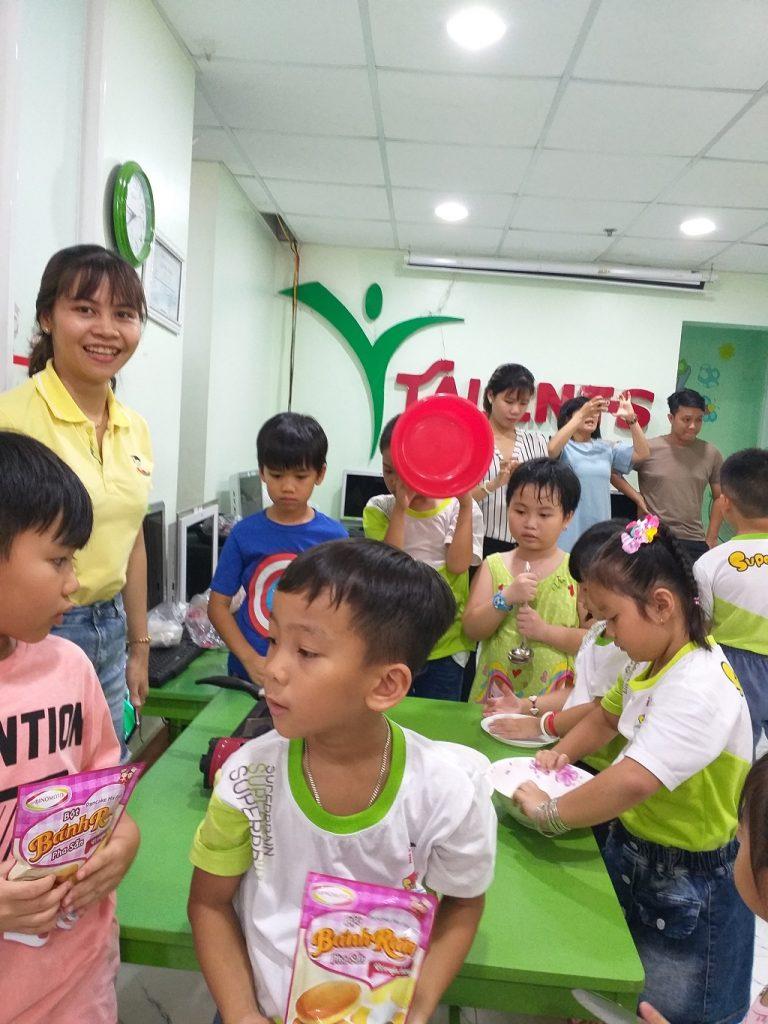 Phụ huynh học viên Trần Trịnh Hồng Ngọc & Trần Trịnh Thiện Nhân