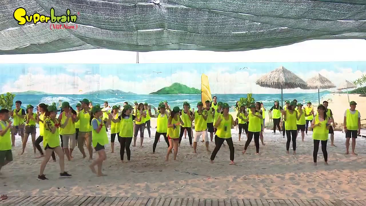 SUPERBRAIN FAMILY DAY 2018 - FLASH MOB CHUNG SỐNG